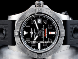 Breitling Avenger II Seawolf A1733110 Quadrante Nero Arabi