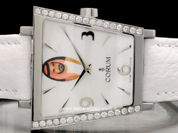 Corum Trapeze Diamanti 106.406.47 Quadrante Madreperla Re di Dubai